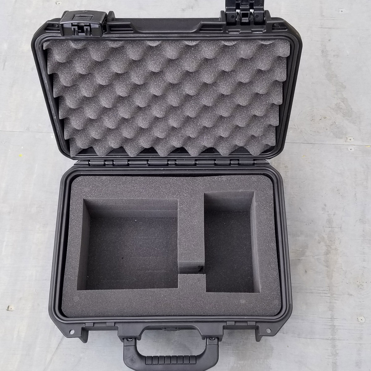 SHIPPING AND STORAGE CONTAINER Pelican/Hardigg Storm case IM